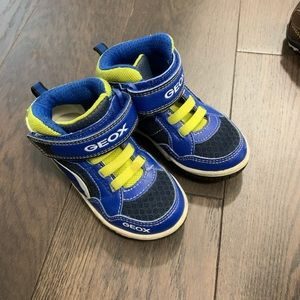Geox toddler high top shoes size9.5 boys